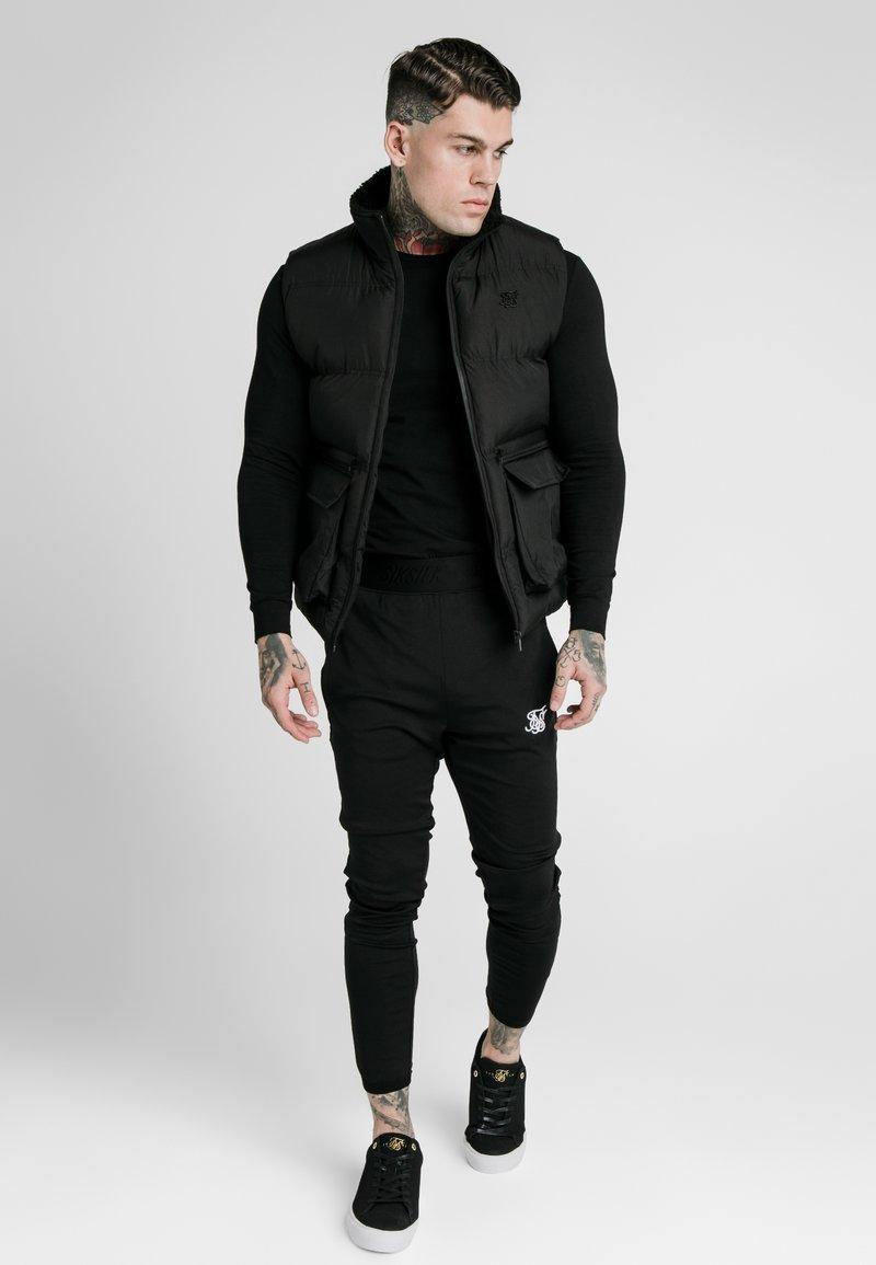SIKSILK - GILET - Bodywarmer - black