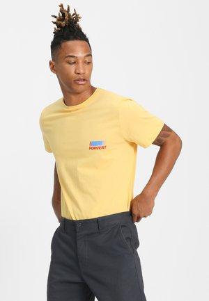 TIMO - Print T-shirt - yellow