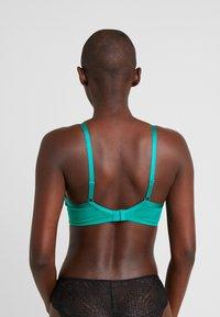Triumph - PALM SPOTLIGHT - Underwired bra - emerald - 2