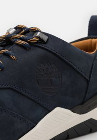 Timberland - CONCRETE TRAIL OXFORD - Sneaker low - navy - 5
