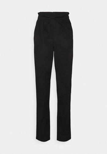 VMEVANY STRING ANKLE PANT - Kalhoty - black