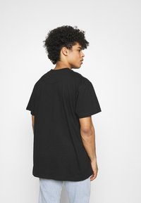 Night Addict - SPEAK TO FEW - Print T-shirt - black - 2