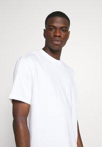 Weekday - OVERSIZED  - T-shirt - bas - white - 4