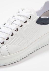 Emporio Armani - Sneakers laag - optical white/navy - 5