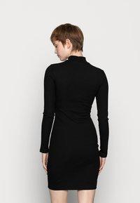 Even&Odd - BASIC - Žerzejové šaty - black - 3