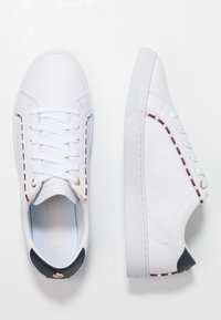 Tommy Hilfiger - CORPORATE DETAIL  - Trainers - white - 3
