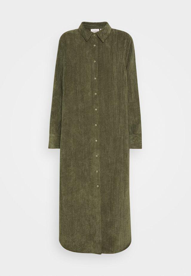 VANDERDISE DRESS - Vestido camisero - winter moss