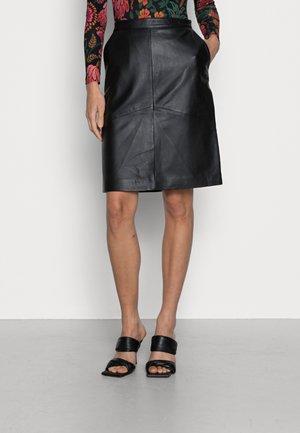 SLFSALLY SKIRT - Kožená sukně - black