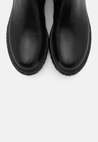 Tommy Jeans - ESSENTIAL CHELSEA BOOT - Støvletter - black - 5