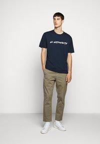 NN07 - DYLAN TEE  - T-shirt imprimé - navy blue - 1