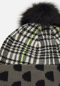 Desigual - HAT MONOGRAM REVERSIBLE - Hat - black - 2
