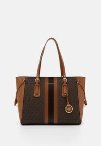 MICHAEL Michael Kors - VOYAGER SEMI LUX  - Handbag - brown/acorn - 2