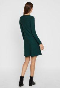Vero Moda - Jumper dress - ponderosa pine - 2