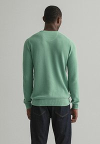 GANT - C NECK - Stickad tröja - grün - 1
