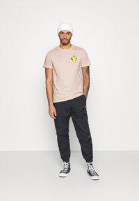 YOURTURN - UNISEX - T-shirt med print - pink - 1