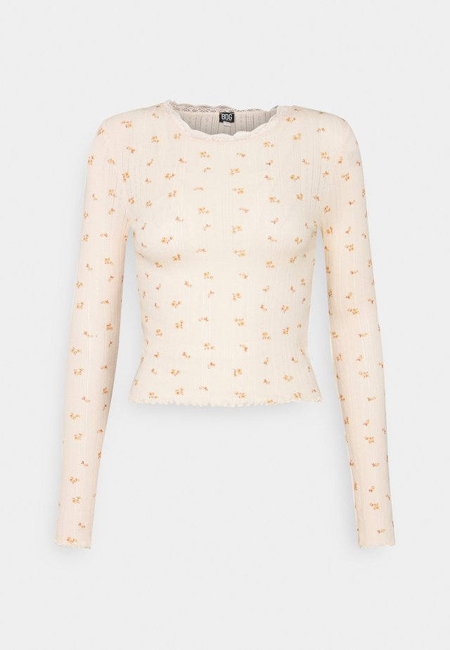 FLORAL EDGE TEE - Long sleeved top - peach