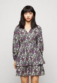 Vero Moda Petite - VMANEMONE VNECK DRESS - Sukienka letnia - black - 0