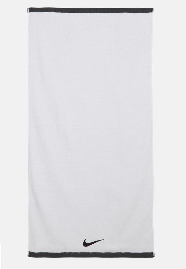 FUNDAMENTAL TOWEL UNISEX - Complementos de playa - white/black