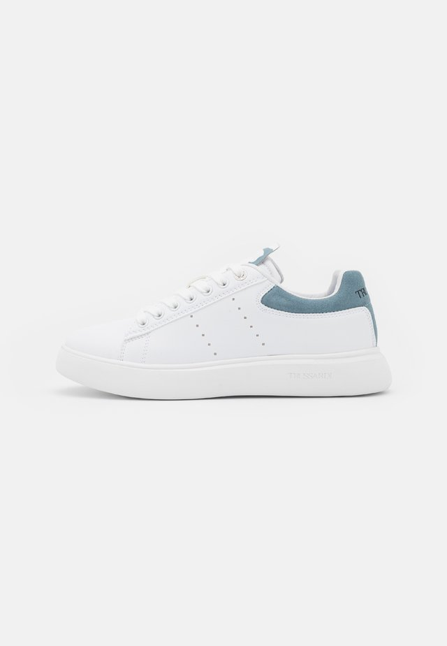 YRIAS MIX - Sneakers laag - white/light blue