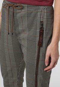 MAC - Leggings - Trousers - beige schoko - 2