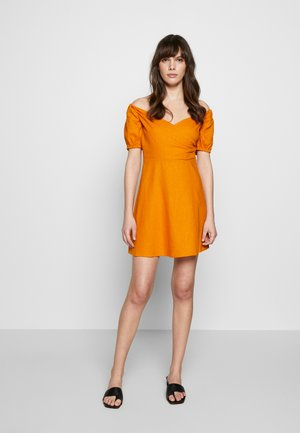 LOLA SKYE PUFF SLEEVE DRESS - Day dress - ochre