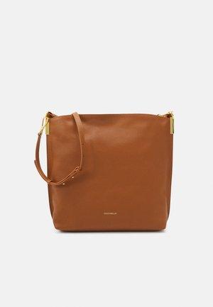 ESTELLE HOBO - Shopping Bag - caramel