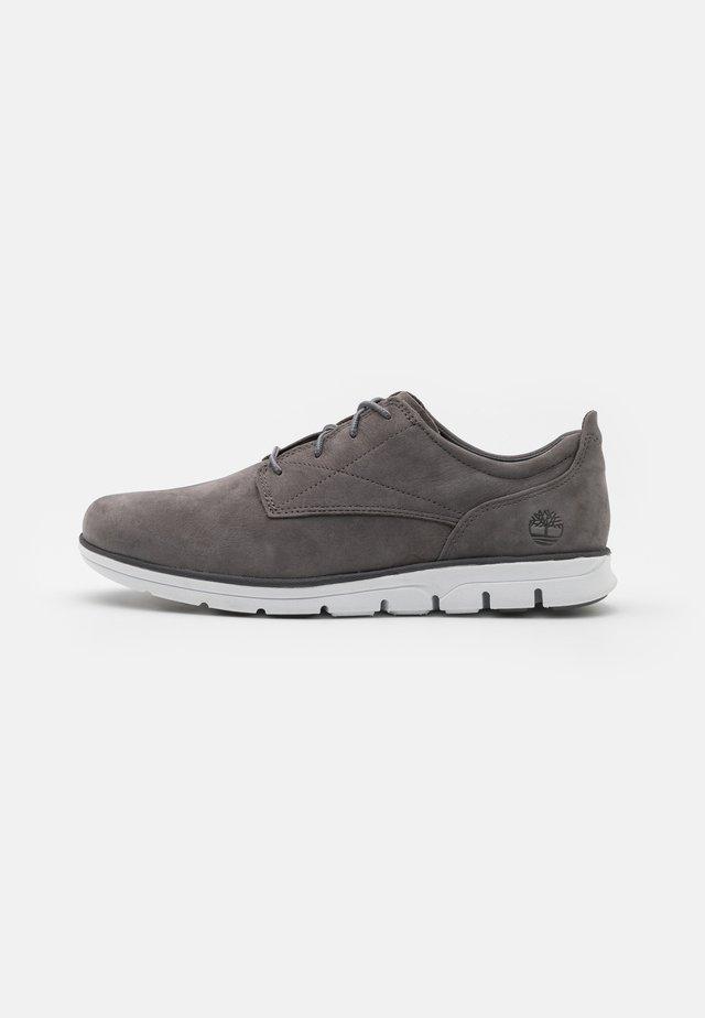 BRADSTREET - Chaussures à lacets - medium grey