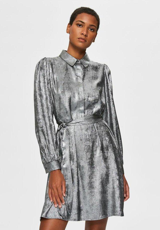 Skjortklänning - silver