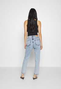 Gina Tricot - DAGNY HIGHWAIST - Relaxed fit jeans - mid blue snow - 2