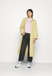 Calvin Klein Jeans - MONOGRAM LOGO TEE - T-shirt basique - pearly pink/quiet grey - 1