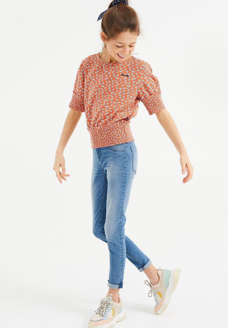 WE Fashion - Blouse - coral pink