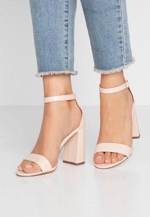 HONEY  - Sandály na vysokém podpatku - nude