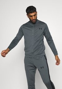 Under Armour - EMEA TRACK SUIT - Träningsset - pitch gray/black - 0