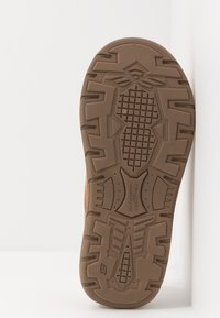 Skechers - EXPECTED X-VERSON - Slippers - tan - 4