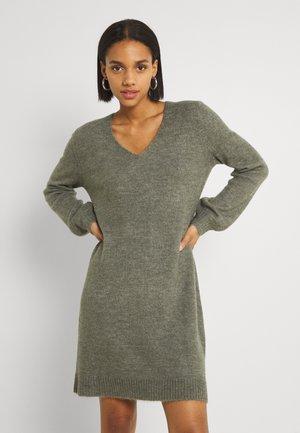 JDYELANORA V NECK DRESS - Strikket kjole - kalamata