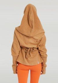 Yogasearcher - SUPTA - Hoodie - beige - 2