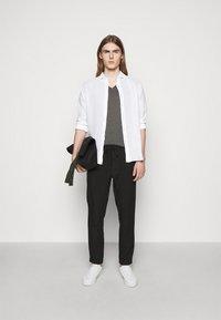 120% Lino - SLIM FIT - Košile - white - 1