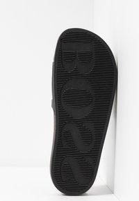 BOSS - SOLAR SLID LOGO - Pantolette flach - black - 4