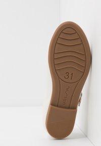 Unisa - CLERVY - Ankle strap ballet pumps - bone - 5