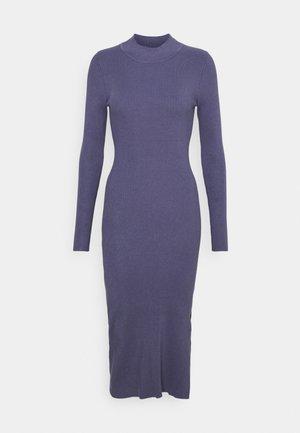 Strikket kjole - blue