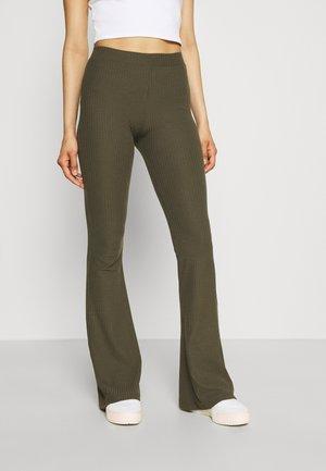 ONLNELLA FLARED PANT - Kalhoty - kalamata