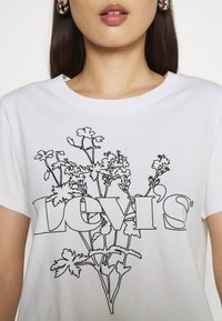 Levi's® - GRAPHIC SURF TEE - T-shirt imprimé - white - 4