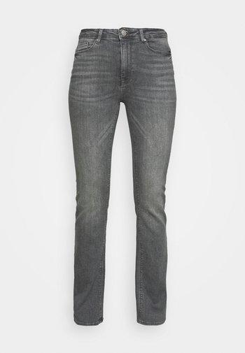 ONLPAOLA FLARED JEANS - Flared Jeans - black denim
