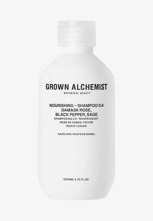 NOURISHING-SHAMPOO 0.6 DAMASK ROSE, BLACK PEPPER, SAGE - Shampoing - -