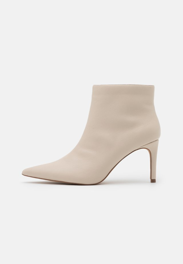 POINTY STILETTO  - Ankle boots - nude