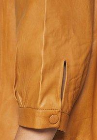 Saint Tropez - EMBER - Button-down blouse - meerkat - 5