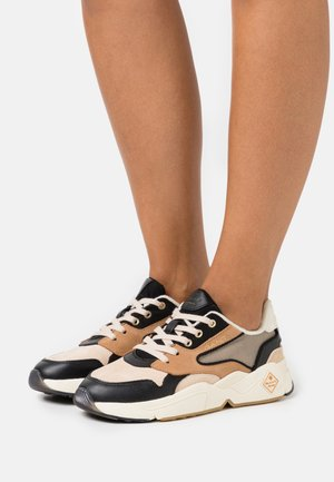 NICEWILL RUNNING - Trainers - beige/black