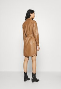 Opus - WELONI - Shirt dress - peanut - 2