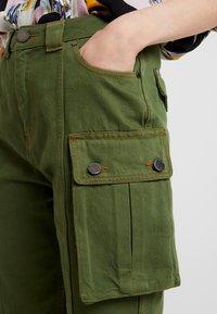 House of Holland - SAFARI MID LENGTH - Shorts - khaki green - 3