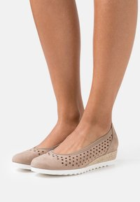 Gabor Comfort - Wedges - taupe - 0